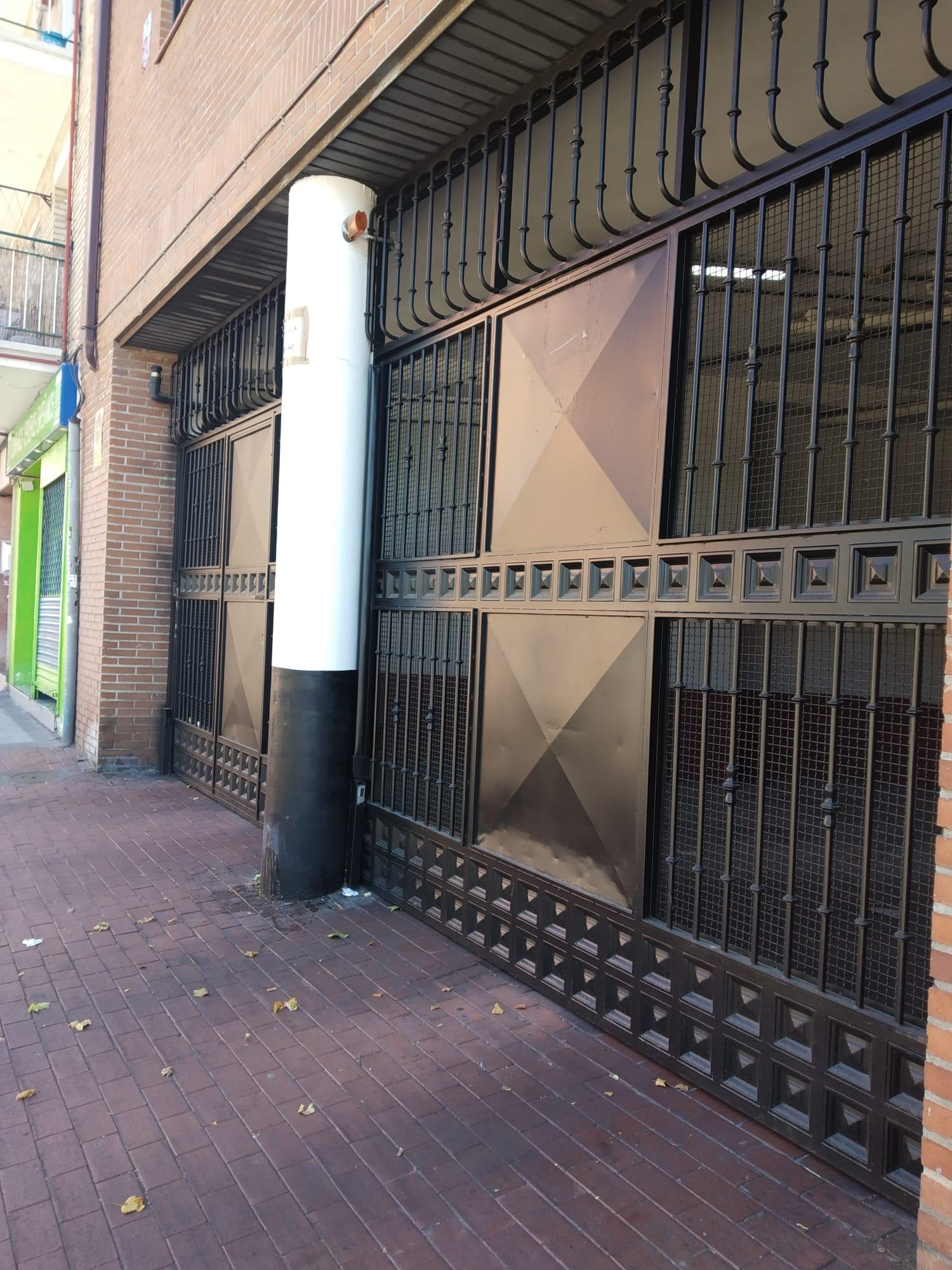 Plaza de garaje en Avenida Portugal