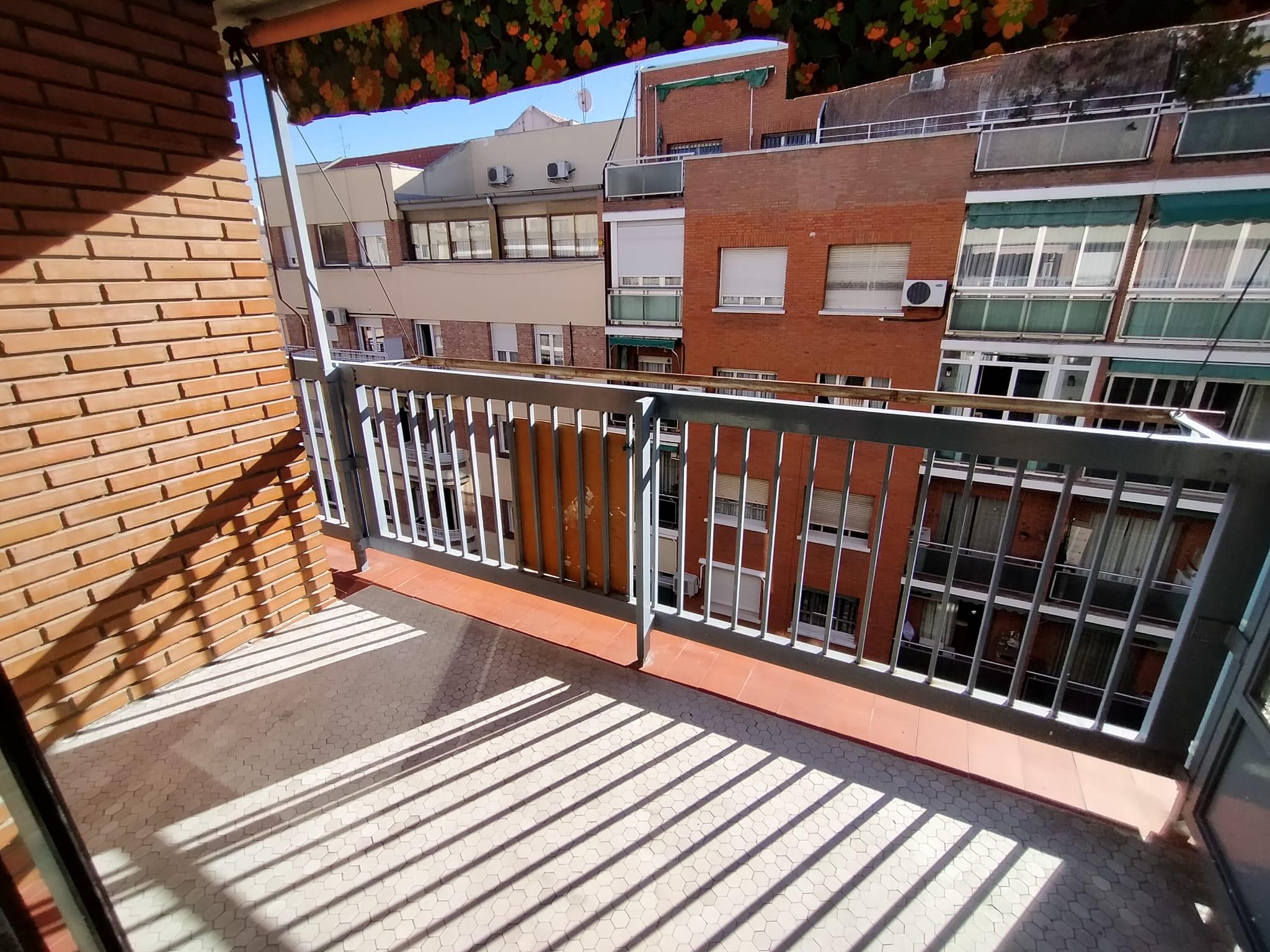 Alquiler en Calle Valderribas